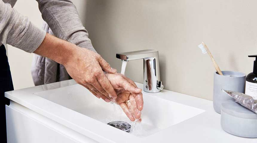 Oras_HANSA_choose-right-faucet_touchless_860x480